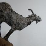 Skulptur Neugierige Ziege